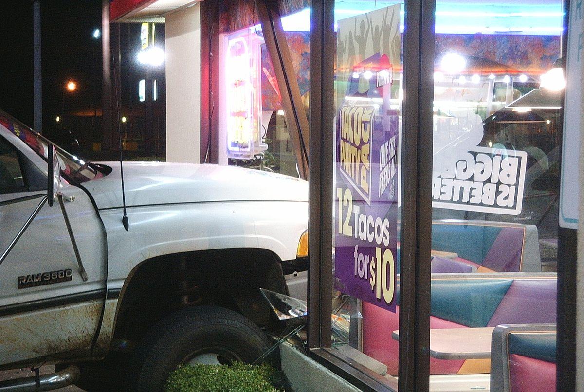 Single-vehicle crash - Wikipedia