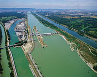 Donaukraftwerk Freudenau BFR KW15.jpg