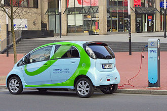Mitsubishi i-MiEV - Mitsubishi i-MiEV charging
