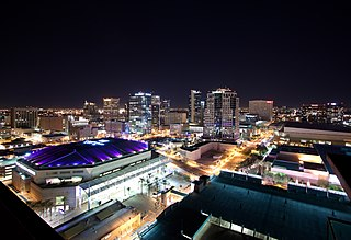 320px-Downtown_Phoenix_Skyline_Lights.jp