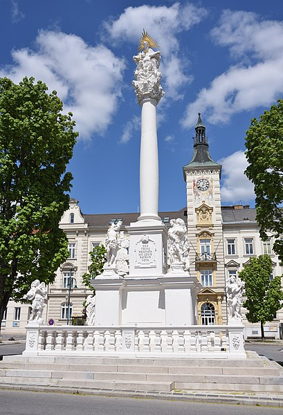 Datei:Schloss huggology.com Wikipedia
