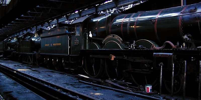 File:Dscn4066-pendennis-dark-in-shed crop 1200x600.jpg
