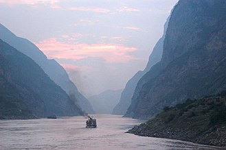 Yangtze - Dusk on the middle reaches of the Yangtze River (Three Gorges)