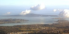 East Auckland and Rangitoto 10 March 2005.jpg