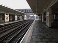 East Finchley stn centre platforms look south2.JPG