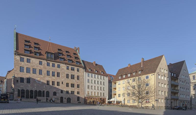 File:Edificio en Sebalder Platz, Núremberg, Alemania, 2013-03-16, DD 02.jpg