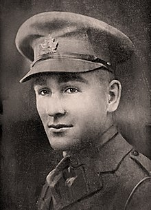 Captain Edward Lyman Abbott profile photo wearing military uniform, circa 1915 to 1918.
