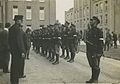Een detachement Nederlandse militairen van de Koloniale Reserve (?) staat aanget – F42504 – KNBLO.jpg