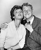 Foto Mike Nichols dan Elaine May.