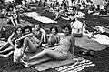 Emberek a strandon, 1958. Fortepan 15892.jpg