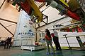 """Endmontagegebäude mit ATV-4 """"Albert Einstein"""" Ariane 5ES (8957643235).jpg"""