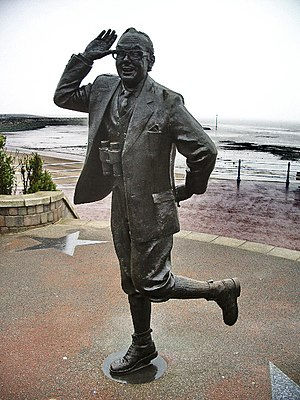 Eric Morecambe - Statue of Eric Morecambe in Morecambe, Lancashire, England