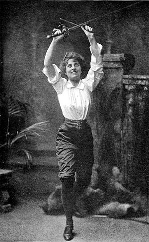 Alfred Hutton - Actress and stage fencer Esmé Beringer, a student of Hutton's.
