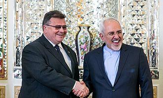 Linas Antanas Linkevičius - Linkevičius with Iranian Foreign Minister Mohammad Javad Zarif, 28 May 2016