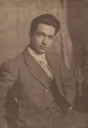 F. Luis Mora