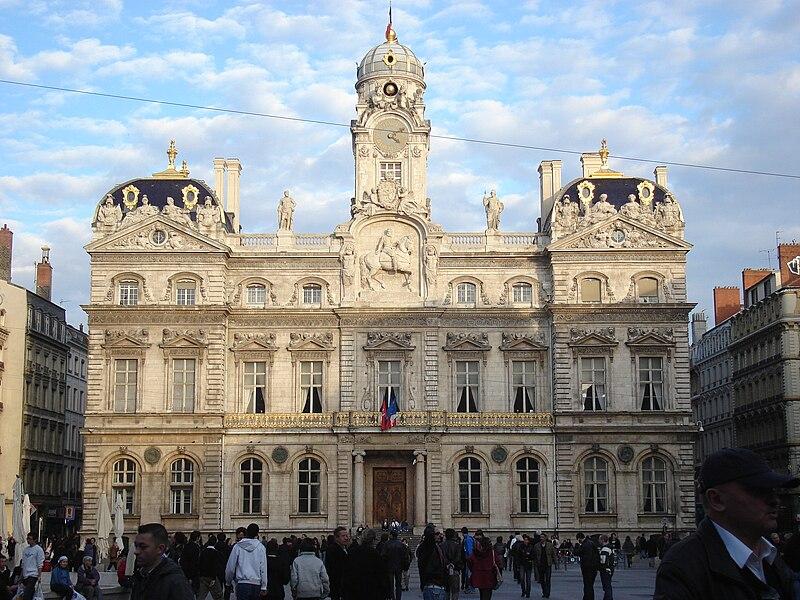 Fichier:Façade de l'Hôtel de Ville de Lyon.JPG