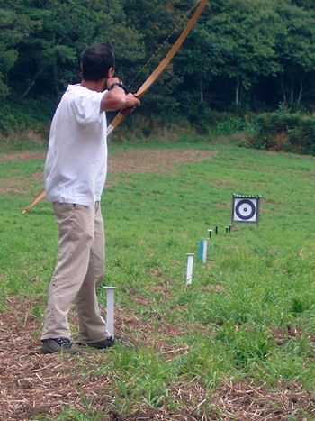 Field games with longbow Français : Parcours f...