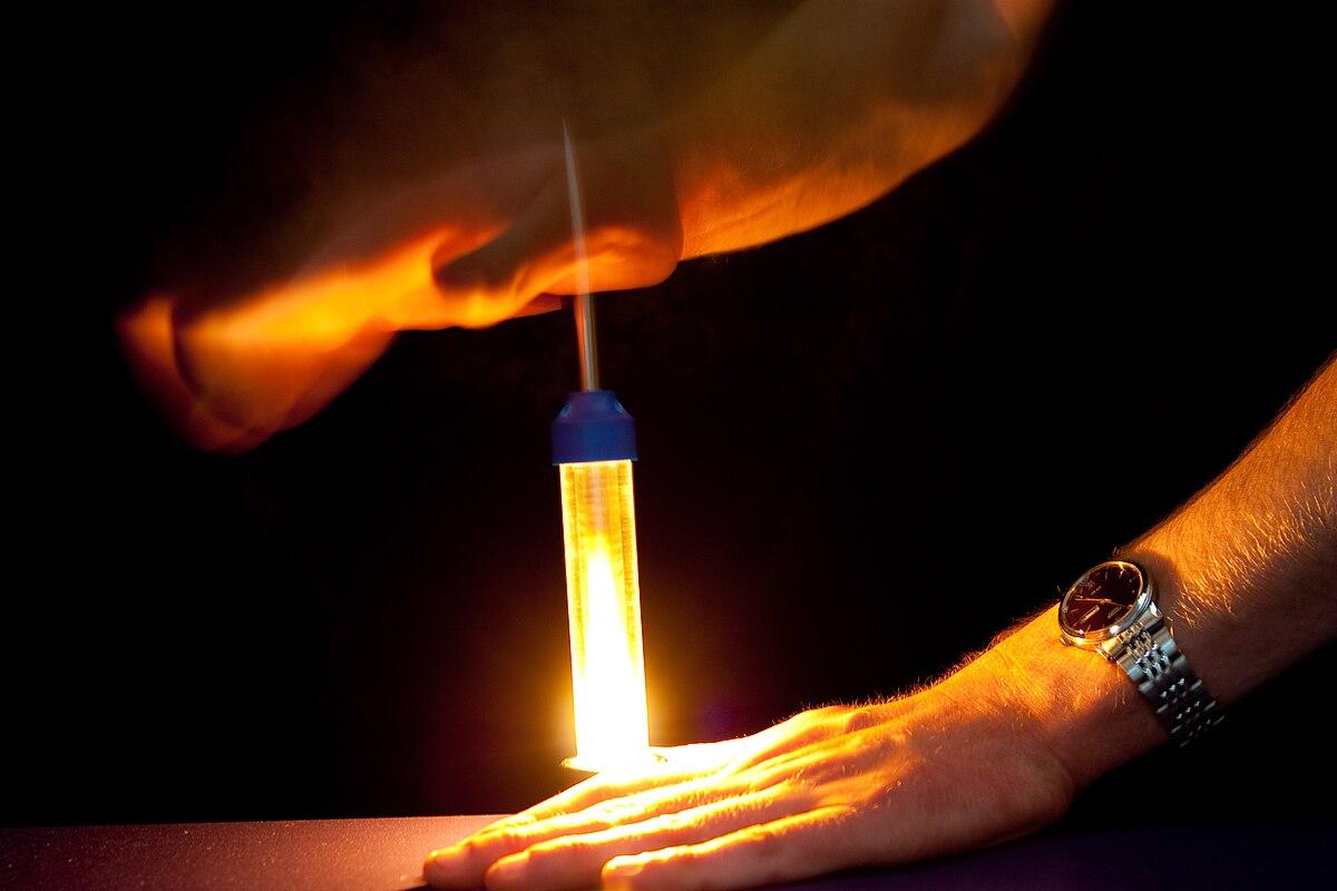 Fire piston wikipedia for Motor oil fire starter