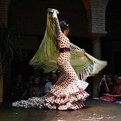 35c1fdcc5 Traje de flamenca - Wikipedia