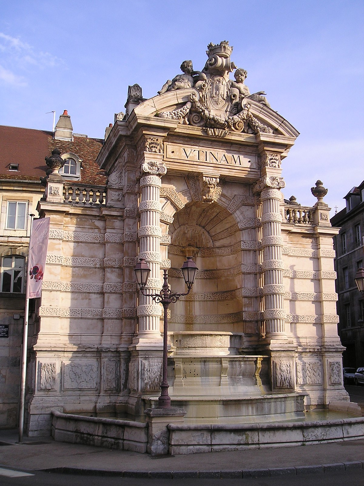 Fontaine de l 39 tat major wikip dia for Architecte urbaniste de l etat