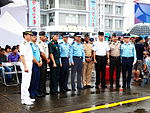 Foreign Military Attaches with ROCAF Officers Photoing in Chiayi AFB 20120811.jpg