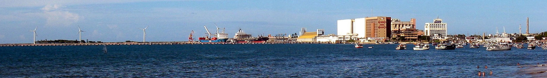 Fortaleza banner Harbour and boats.jpg