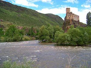 Khertvisi - Image: Fortress of Khertvisi 1 (edited)