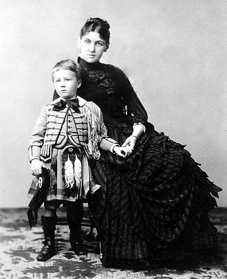 Sara Roosevelt - Sara Delano Roosevelt with son Franklin in 1887