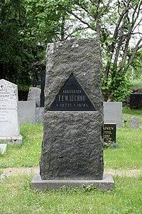 Frans Wilhelm Lüchow Grave Oulu Cemetery 20110614.jpg