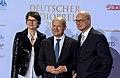 Frauke Gerlach, Olaf Scholz, Joachim Knuth - Deutscher Radiopreis 2016 01.jpg