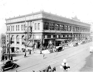 Federal Reserve Bank Building (Seattle) - Image: Frederick and Nelson, Rialto Building, ca. 1914