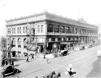 Frederick & Nelson - Image: Frederick and Nelson, Rialto Building, ca. 1914