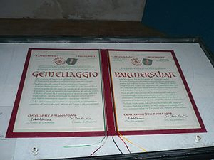 Sister city - An example of a 'gemellaggio' (twinning) agreement between Castellabate, Italy and Blieskastel, Germany