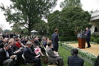 Terry Moran - Addressing former president Bush as ABC News White House correspondent