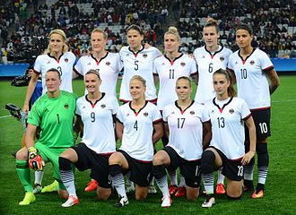 [Изображение: 330px-German_football_team_2016_Olympics_women.jpg]