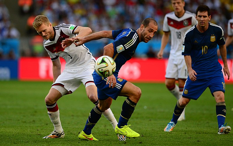 Archivo:Germany and Argentina face off in the final of the World Cup 2014 09.jpg