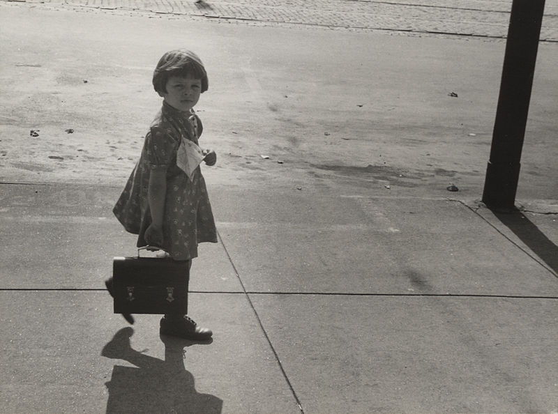 File:Girl carrying her father's lunch pail, Omaha 10439u.jpg