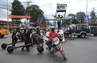 Gary Mark Smith - Boulevard Kanyamahanga traffic circle (2015)