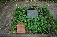Grabmal Alfred Grotjahn Friedhof Baumschulenweg.jpg