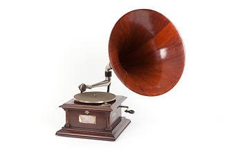 Victor Talking Machine Company - Victor IV gramophone. Museo Nazionale Scienza e Tecnologia Leonardo da Vinci, Milan.