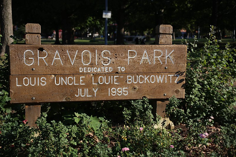 Gravois Park sign by Paul Sableman. Uploaded to Wikimedia Commons under CC-BY-2.0