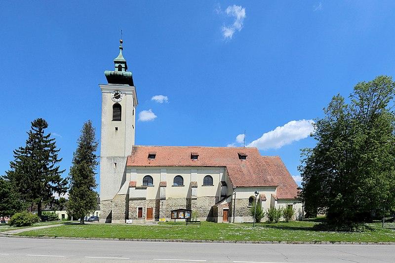 File:Großmugl - Kirche (1).JPG