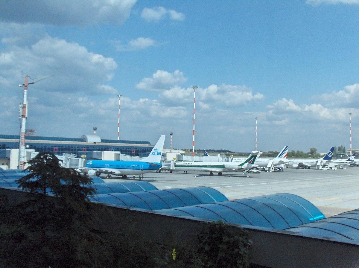 Aeroporto Romania : Aeroporto di bucarest henri coandă wikipedia