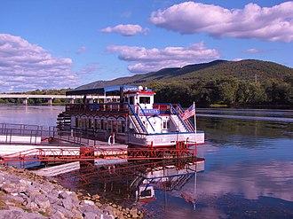 Hiawatha (riverboat) - Image: Hiawatha (10038036174)