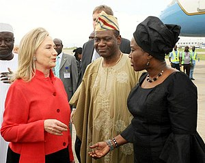 Viola Onwuliri - Hillary Clinton welcomed by Foreign ministers Olugbenga Ashiru and Viola Onwuliri in 2012