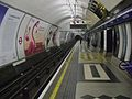 Holborn station Piccadilly westbound look east.JPG