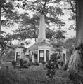 Hollandse begraafplaats, gouverneursmonument - 20651561 - RCE.jpg