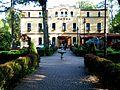 Hotel Dąbrówka i Willa Dąbrówka 01.JPG