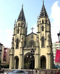 Fachada de la Iglesia de Santiago