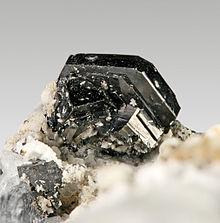 Ilmenite-173863.jpg